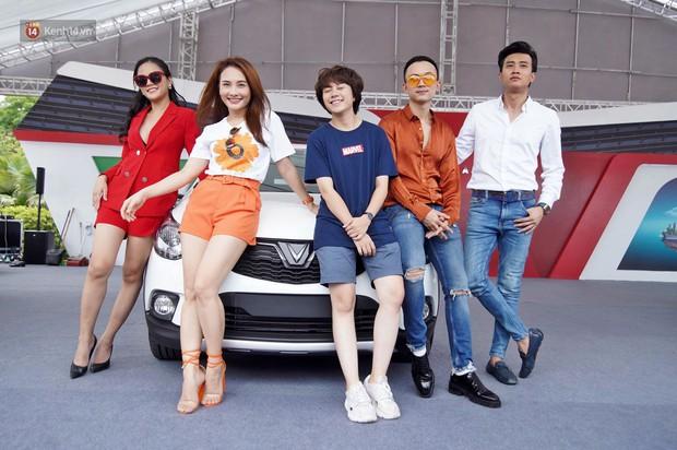 """Bảo Thanh, Quốc Trường cùng nhiều người nổi tiếng thích thú chạy thử VinFast Fadil: """"Dòng xe đơn giản, giá cả yêu thương"""" - Ảnh 14."""
