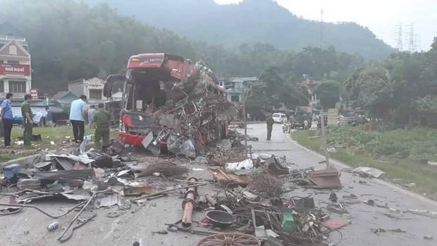 Vụ tai nạn kinh hoàng khiến 40 người thương vong ở Hòa Bình: Chiếc xe tải biển Lào không có dữ liệu tốc độ - Ảnh 1.