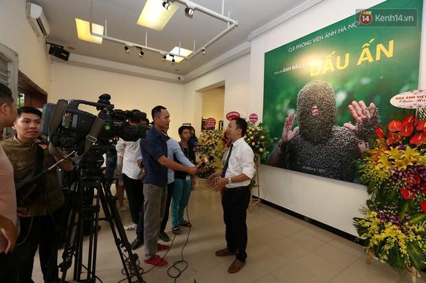Triển lãm gần 100 bức ảnh ấn tượng của CLB phóng viên ảnh Hà Nội chào mừng 94 năm ngày báo chí cách mạng Việt Nam - Ảnh 1.