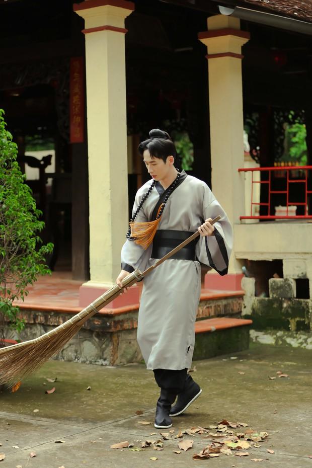 Nhân tình của Hari Won gia nhập CLB Độ Ta Không Độ Nàng, làm cao tăng nhưng chưa buồn cạo tóc - Ảnh 8.