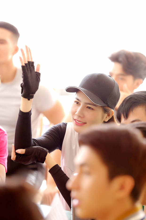 Cuộc đua kỳ thú 2019: Những hình ảnh đầu tiên được hé lộ, Kỳ Duyên - Minh Triệu diện đồ đôi, nắm tay không rời - Ảnh 8.