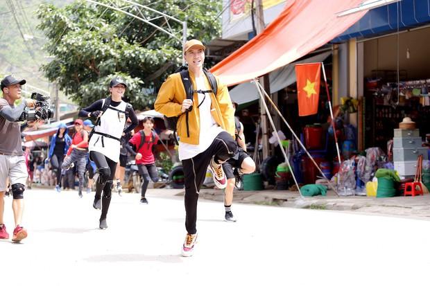 Cuộc đua kỳ thú 2019: Những hình ảnh đầu tiên được hé lộ, Kỳ Duyên - Minh Triệu diện đồ đôi, nắm tay không rời - Ảnh 13.