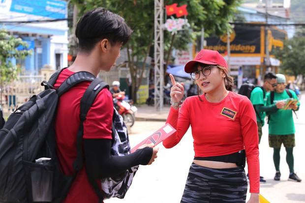 Cuộc đua kỳ thú 2019: Những hình ảnh đầu tiên được hé lộ, Kỳ Duyên - Minh Triệu diện đồ đôi, nắm tay không rời - Ảnh 16.