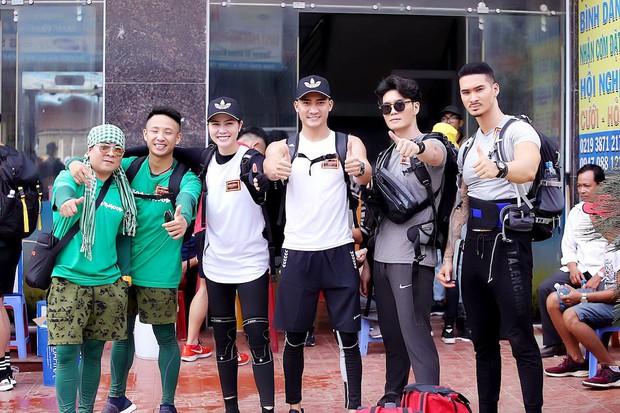 Cuộc đua kỳ thú 2019: Những hình ảnh đầu tiên được hé lộ, Kỳ Duyên - Minh Triệu diện đồ đôi, nắm tay không rời - Ảnh 19.