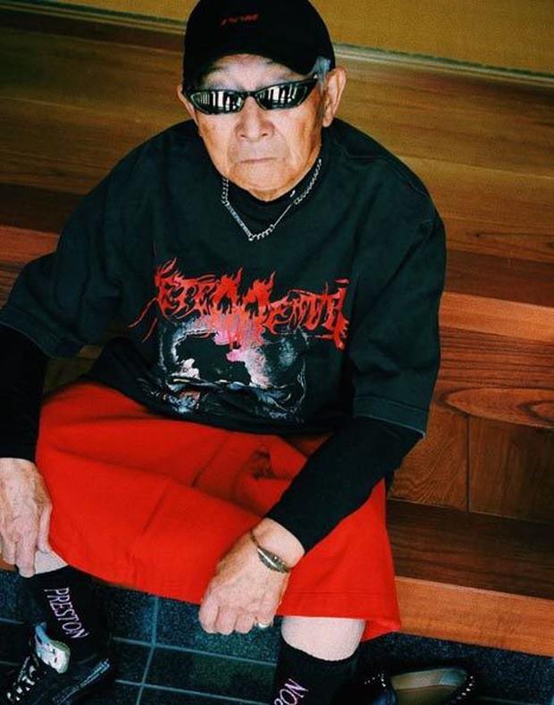 Gu ăn mặc cực chất của biểu tượng thời trang 84 tuổi - Ảnh 3.