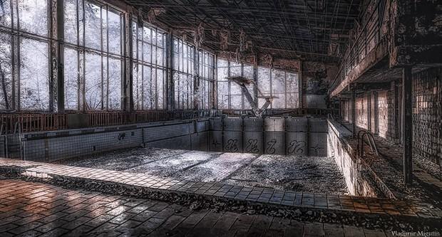 Từ vùng đất ma không ai dám bén mảng, nhà máy điện hạt nhân Chernobyl bỗng hóa xứ sở thần tiên đẹp lịm tim qua lăng kính của nhiếp ảnh gia - Ảnh 15.