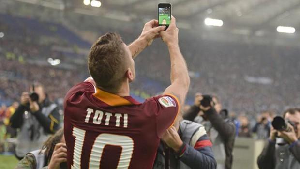 Hoàng tử Totti chia tay Roma sau tròn 30 năm gắn bó, chính thức khép lại câu chuyện tình đẹp bậc nhất tại thành Rome - Ảnh 6.