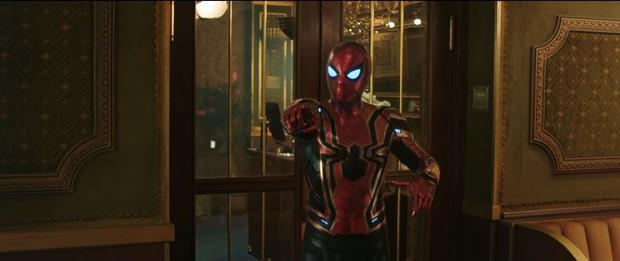 Spider-man hoảng hốt như nhìn thấy ma từ cái của kính ông chú thân yêu để lại: Không lẽ nhìn thấy Tony Stark? - Ảnh 1.
