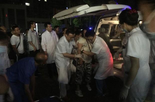 Ảnh: Hiện trường vụ động đất ở Tứ Xuyên làm gần 150 người thương vong - Ảnh 8.