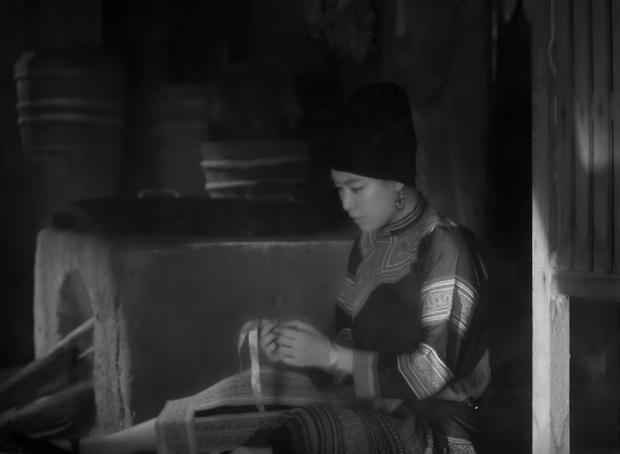Thật thú vị: Cả vũ trụ văn học Việt Nam tụ hội trong MV Để Mị nói cho mà nghe của Hoàng Thùy Linh! - Ảnh 3.