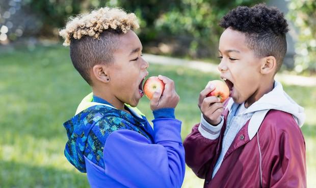 Nghiên cứu cho thấy: ăn ít trái cây và rau củ có thể dẫn đến hàng triệu cái chết mỗi năm - Ảnh 2.