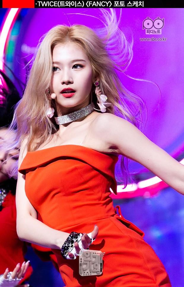 Loạt idol Kpop gây bão nhờ tóc vàng bạch kim: Người vịt hóa thiên nga, lên hẳn top trend, kẻ tuột dốc không phanh - Ảnh 14.