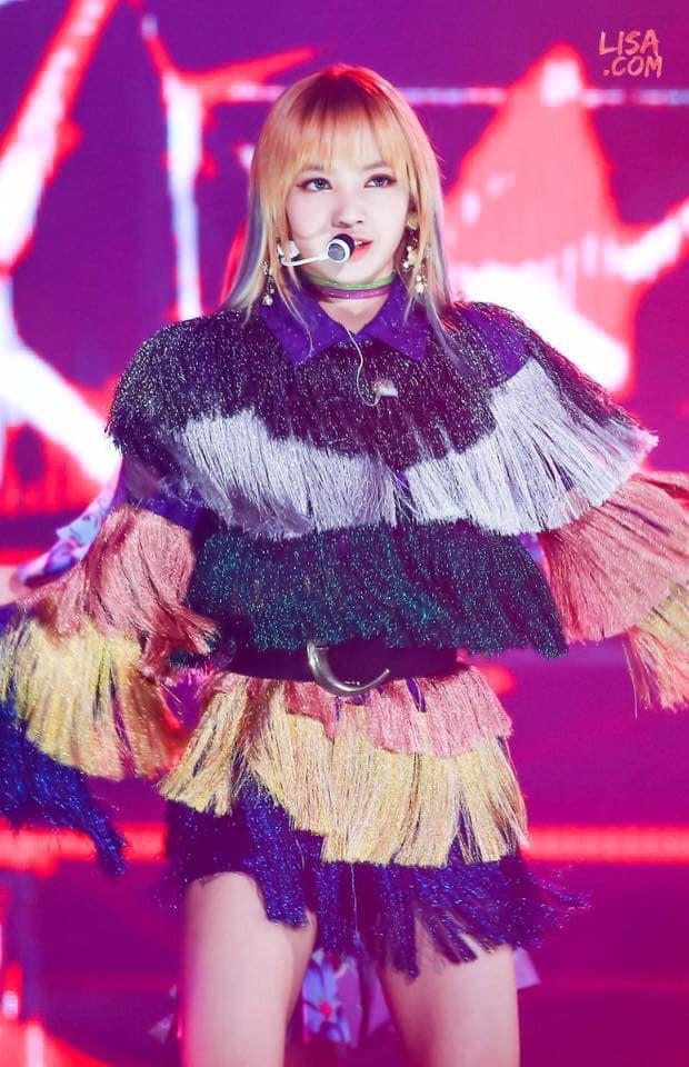 """Nếu không phải Lisa (Blackpink) thì idol nào mới có thể """"cân"""" được đống trang phục khó cảm nhường này? - Ảnh 5."""