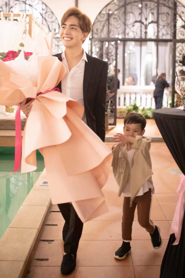 Thu Thủy vừa được bạn trai kém tuổi cầu hôn, vợ chồng Ưng Hoàng Phúc và Phạm Quỳnh Anh lập tức quay clip gửi lời nhắn nhủ đặc biệt - Ảnh 4.