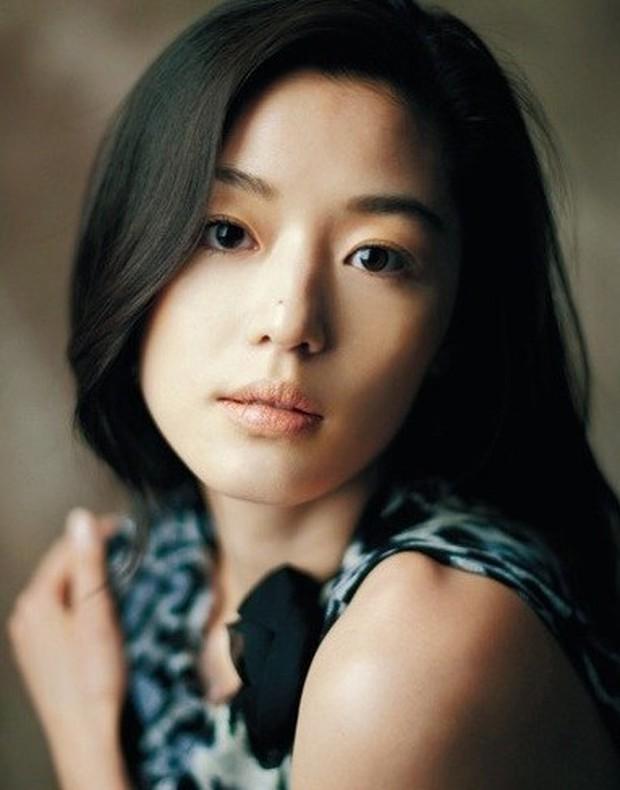 Mỹ Tâm và mợ chảnh Chun Song Yi: Hai chị đẹp thích nặn mụn, yêu trai trẻ và đáp trả tin hẹn hò siêu gắt - Ảnh 12.