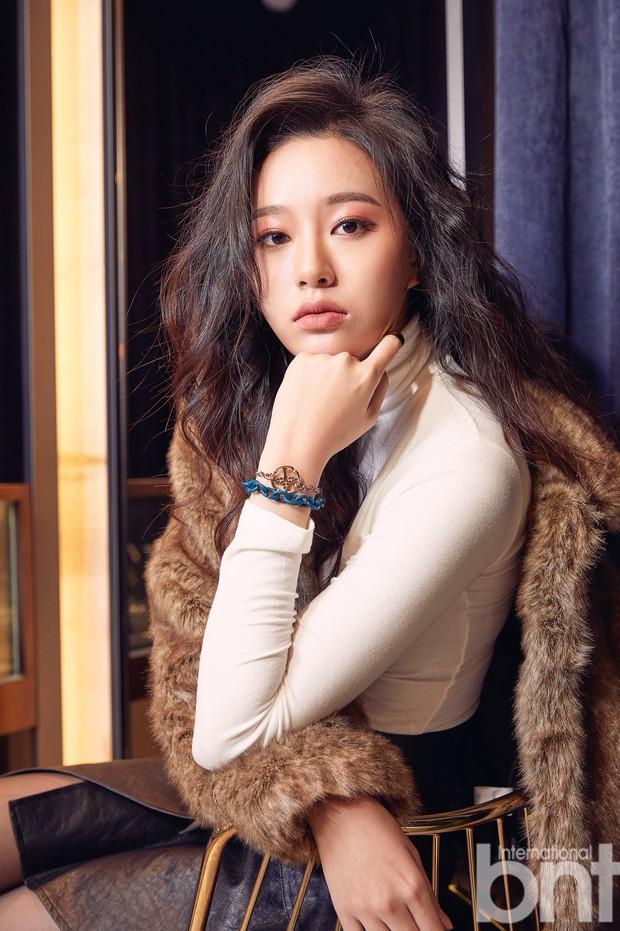 Tài tử Hậu duệ mặt trời lộ tin hẹn hò với mỹ nhân kém 7 tuổi, showbiz Hàn lại thêm một cặp phim giả tình thật? - Ảnh 3.