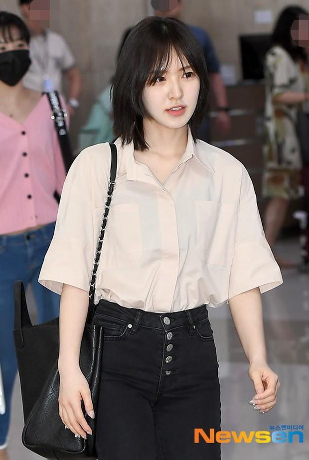 Taeyeon gây choáng với nhan sắc đỉnh đến mức lấn át cả nữ thần Suzy, Irene đẹp bất chấp bên Red Velvet tại sân bay - Ảnh 13.