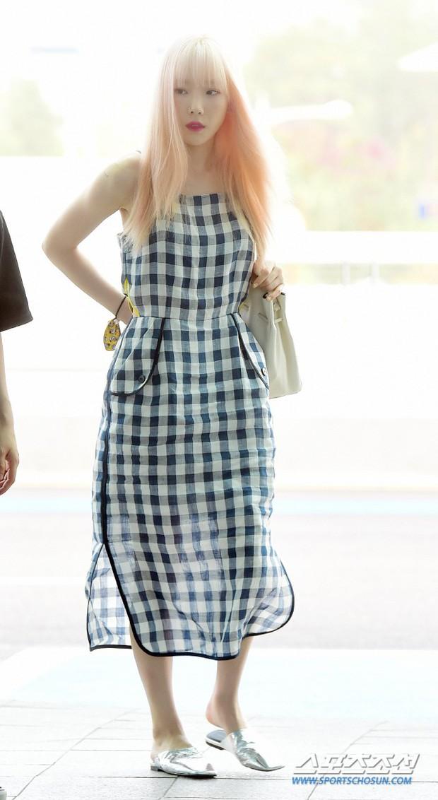 Taeyeon gây choáng với nhan sắc đỉnh đến mức lấn át cả nữ thần Suzy, Irene đẹp bất chấp bên Red Velvet tại sân bay - Ảnh 2.