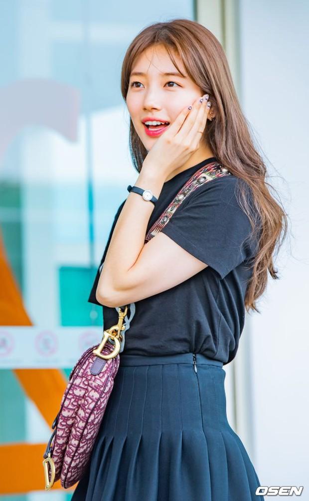 Taeyeon gây choáng với nhan sắc đỉnh đến mức lấn át cả nữ thần Suzy, Irene đẹp bất chấp bên Red Velvet tại sân bay - Ảnh 9.