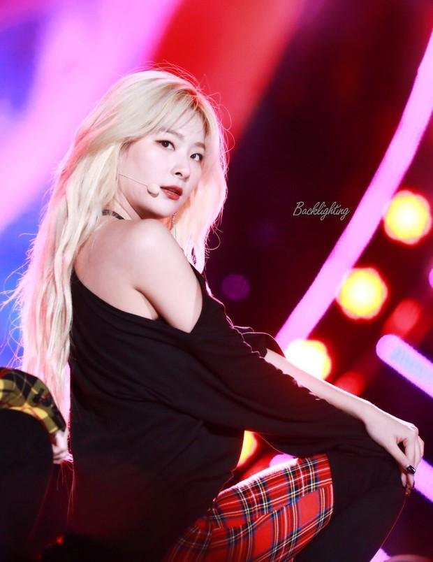 Loạt idol Kpop gây bão nhờ tóc vàng bạch kim: Người vịt hóa thiên nga, lên hẳn top trend, kẻ tuột dốc không phanh - Ảnh 20.