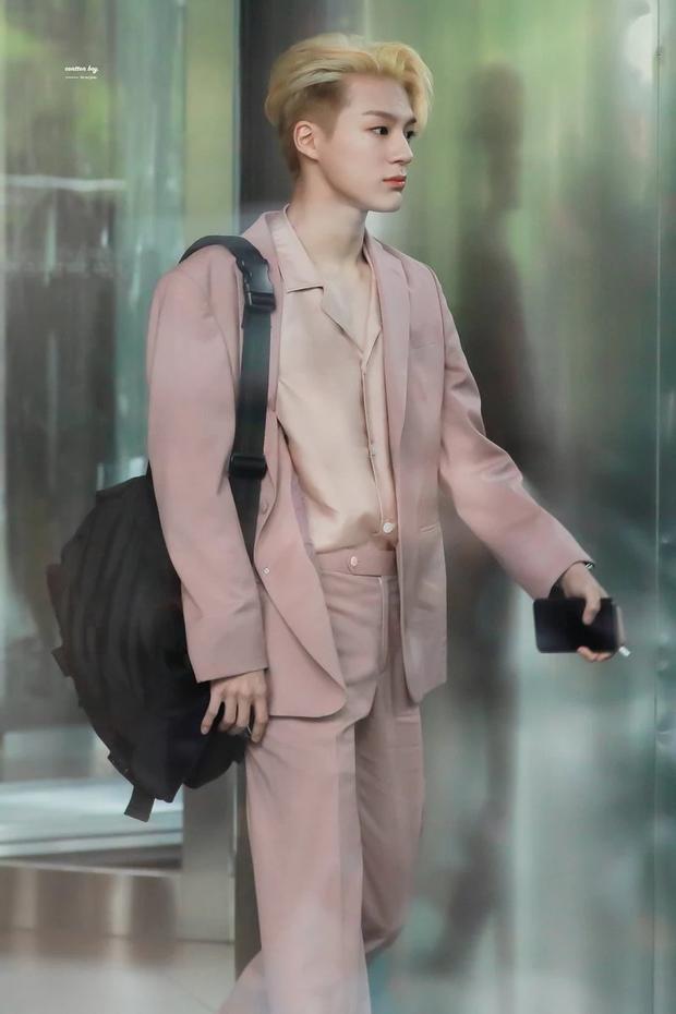 Loạt idol Kpop gây bão nhờ tóc vàng bạch kim: Người vịt hóa thiên nga, lên hẳn top trend, kẻ tuột dốc không phanh - Ảnh 26.