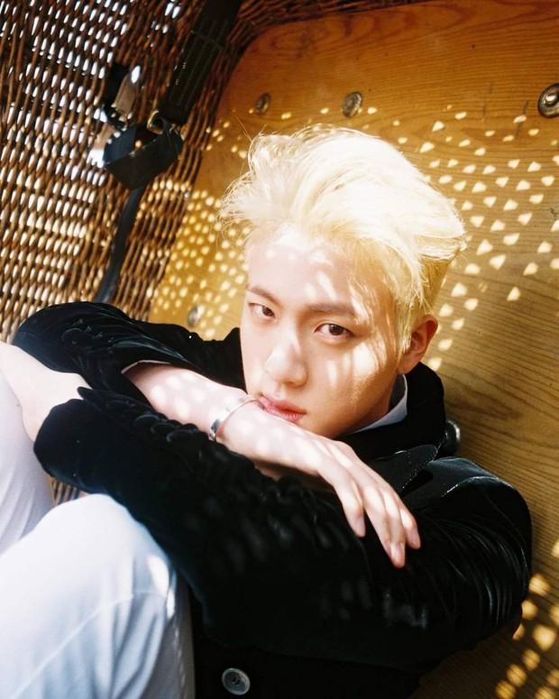 Loạt idol Kpop gây bão nhờ tóc vàng bạch kim: Người vịt hóa thiên nga, lên hẳn top trend, kẻ tuột dốc không phanh - Ảnh 2.