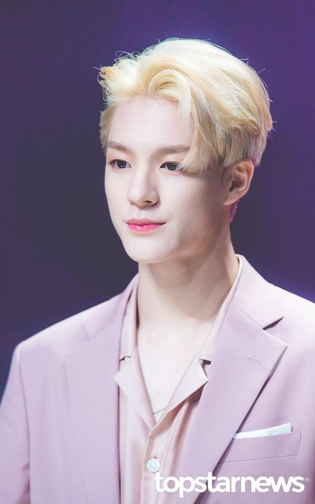 Loạt idol Kpop gây bão nhờ tóc vàng bạch kim: Người vịt hóa thiên nga, lên hẳn top trend, kẻ tuột dốc không phanh - Ảnh 27.