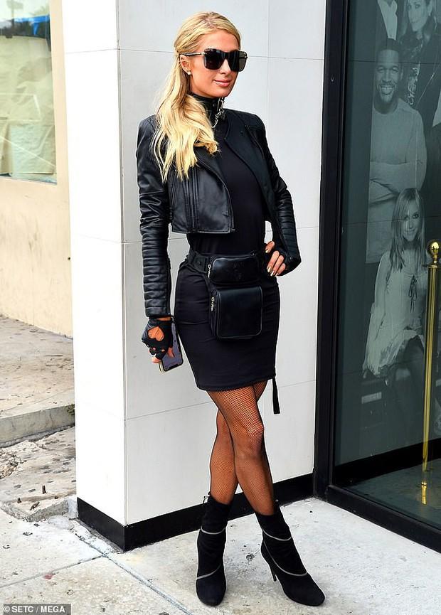 Cô chủ cũ của Kim Paris Hilton chặt đẹp danh tiểu thư hết thời nhờ thần thái, nhưng body mới là tâm điểm - Ảnh 1.
