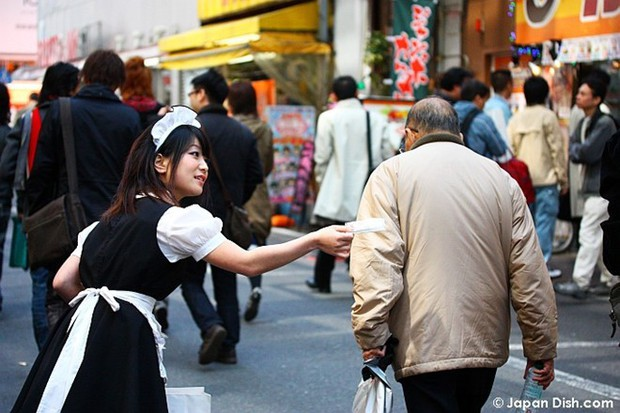 Dịch vụ hẹn hò nữ sinh mặc váy ngắn: Vỏ bọc hoàn hảo cho ngành công nghiệp tình dục ở Nhật Bản - Ảnh 2.
