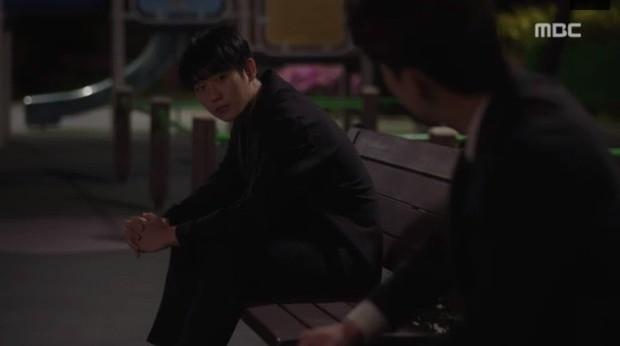 Đêm Xuân tập 9: Han Ji Min nựng môi trai đẹp, nổi cơn tanh bành khi crush bị bồ cũ khẩu nghiệp - Ảnh 15.