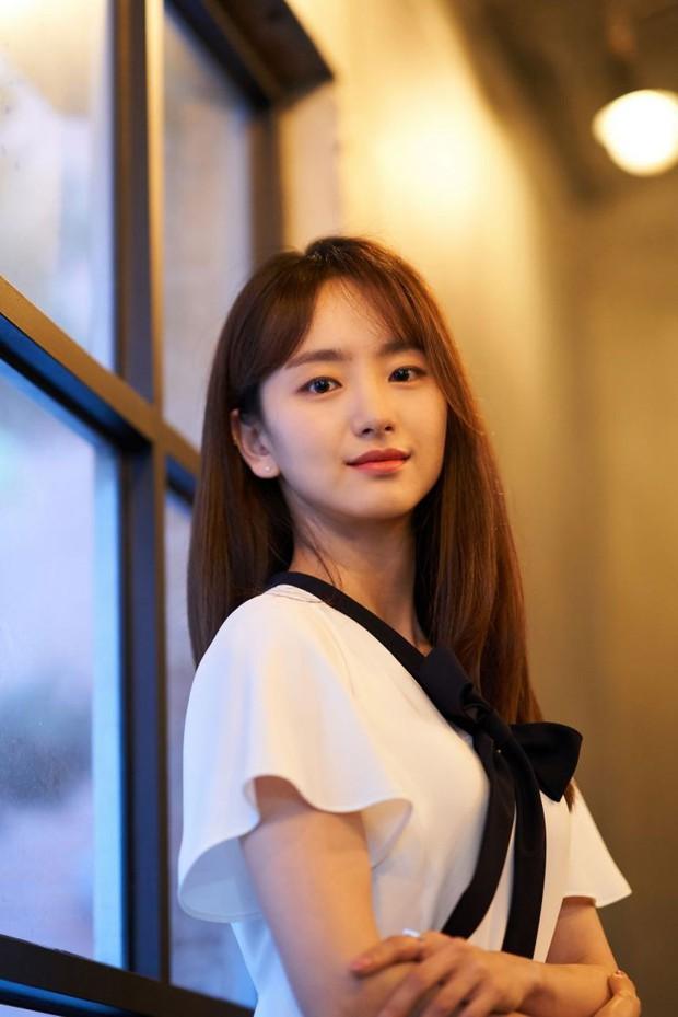 Tình cũ Lee Dong Wook sẽ đóng cặp cùng Ji Chang Wook, netizen cảm thán: chắc kiếp trước cứu cả thế giới?  - Ảnh 4.