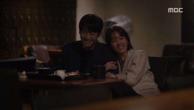 Đêm Xuân tập 9: Han Ji Min nựng môi trai đẹp, nổi cơn tanh bành khi crush bị bồ cũ khẩu nghiệp - Ảnh 10.