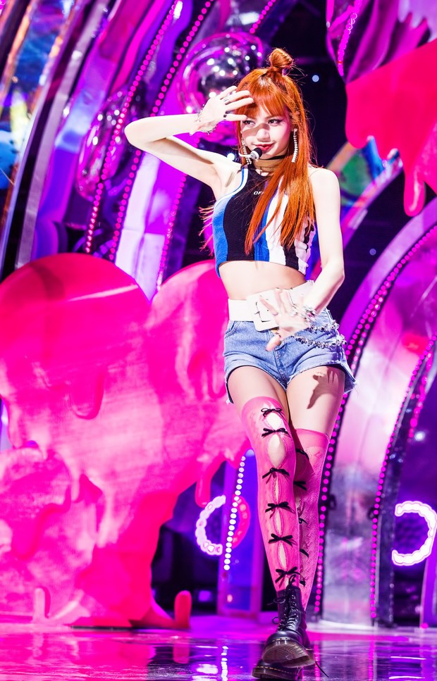 """Nếu không phải Lisa (Blackpink) thì idol nào mới có thể """"cân"""" được đống trang phục khó cảm nhường này? - Ảnh 8."""