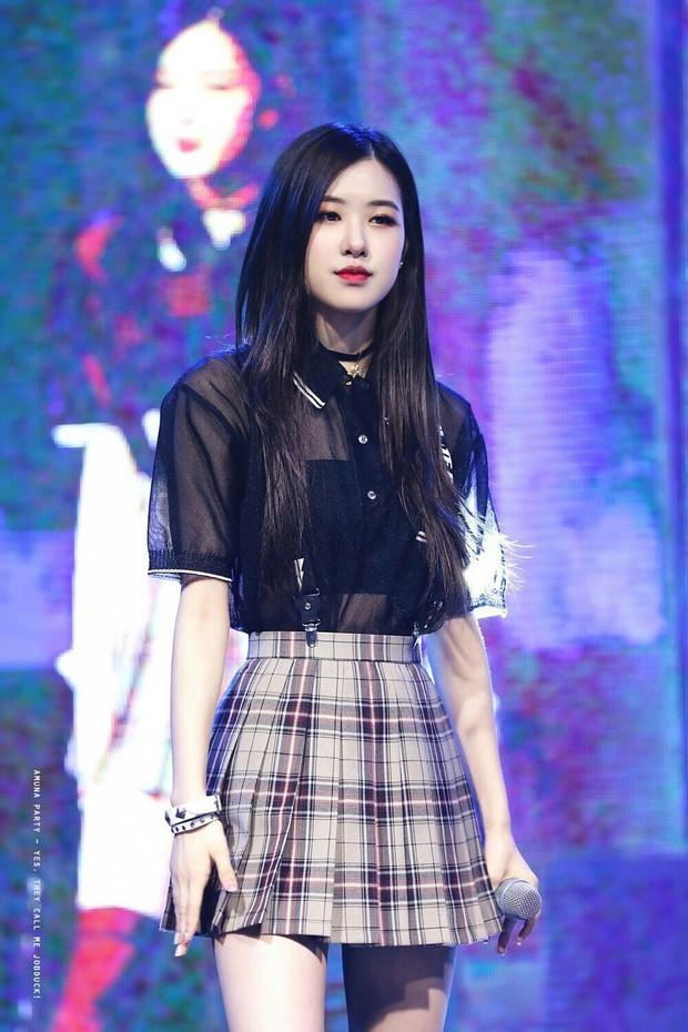 Loạt idol Kpop gây bão nhờ tóc vàng bạch kim: Người vịt hóa thiên nga, lên hẳn top trend, kẻ tuột dốc không phanh - Ảnh 22.