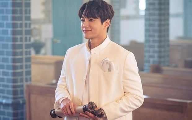 Angel's Last Mission: Love: Át chủ bài rating mới của KBS, Shin Hye Sun diễn xuất bùng nổ cân cả dàn diễn viên - Ảnh 13.