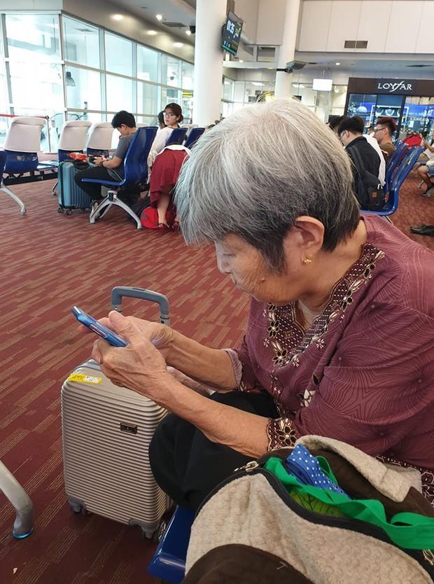 Bà cụ Việt 76 tuổi trốn con cháu đi du lịch bụi Thái Lan: Tự lên mạng book chỗ ăn chơi, dùng gu gồ máp để kiếm đường - Ảnh 1.