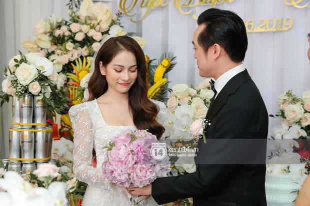 Dương Khắc Linh không giấu được hạnh phúc, Ngọc Duyên thay trang phục liên tục trong lễ rước dâu sáng nay  - Ảnh 7.
