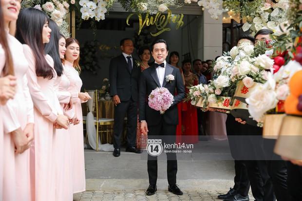 Dương Khắc Linh không giấu được hạnh phúc, Ngọc Duyên thay trang phục liên tục trong lễ rước dâu sáng nay  - Ảnh 5.