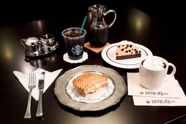 Nhật Bản chuyển từ thời Bình Thành sang Lệnh Hoà, Starbucks lột xác đến mức không ai nhận ra - Ảnh 6.