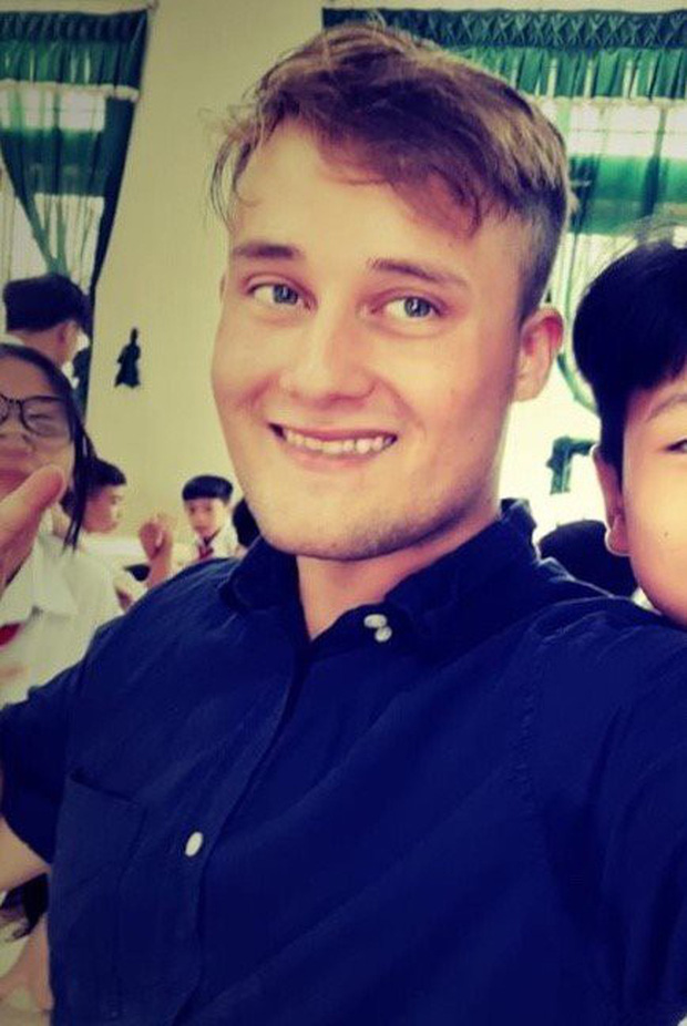 Chàng trai Nam Phi dạy tiếng Anh mất tích 2 tuần ở Việt Nam - Ảnh 1.