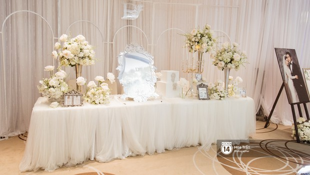 Cận cảnh không gian tiệc cưới sang trọng, ngập tràn hoa tươi của Dương Khắc Linh và Ngọc Duyên - Ảnh 2.