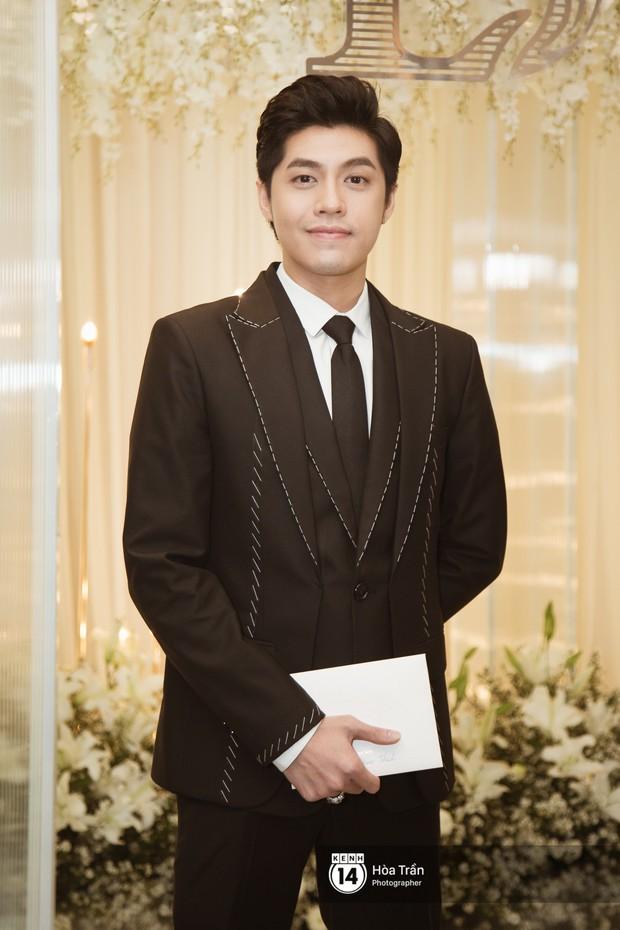 Noo Phước Thịnh, Trấn Thành cùng dàn nghệ sĩ đình đám Vbiz tề tựu tại đám cưới của Dương Khắc Linh - Ngọc Duyên - Ảnh 3.
