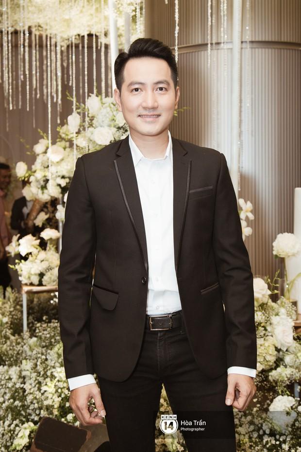Noo Phước Thịnh, Trấn Thành cùng dàn nghệ sĩ đình đám Vbiz tề tựu tại đám cưới của Dương Khắc Linh - Ngọc Duyên - Ảnh 12.