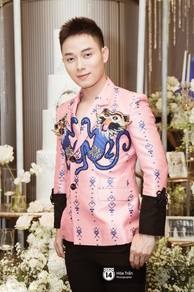 Noo Phước Thịnh, Trấn Thành cùng dàn nghệ sĩ đình đám Vbiz tề tựu tại đám cưới của Dương Khắc Linh - Ngọc Duyên - Ảnh 23.
