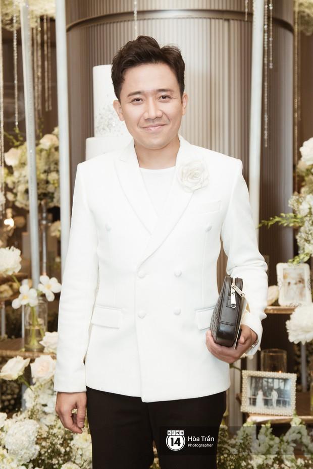 Noo Phước Thịnh, Trấn Thành cùng dàn nghệ sĩ đình đám Vbiz tề tựu tại đám cưới của Dương Khắc Linh - Ngọc Duyên - Ảnh 5.