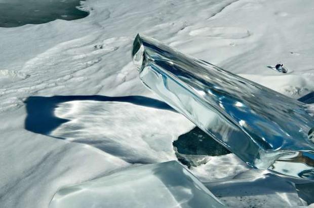 Những hình ảnh đáng kinh ngạc về tạo hình băng trên hồ Baikal - Ảnh 13.