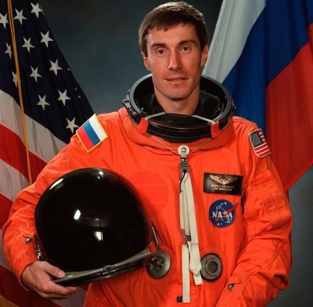 Chuyện về phi hành gia Sergei Krikale - Công dân Liên Xô cuối cùng - Ảnh 3.