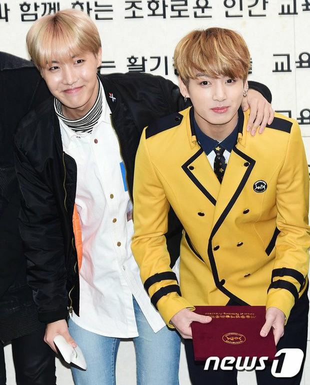 Muôn kiểu sao Hàn gây náo loạn khi đến trường: Sương sương đi học, đi thi thôi mà như dự sự kiện, đẹp tựa cảnh phim - Ảnh 35.
