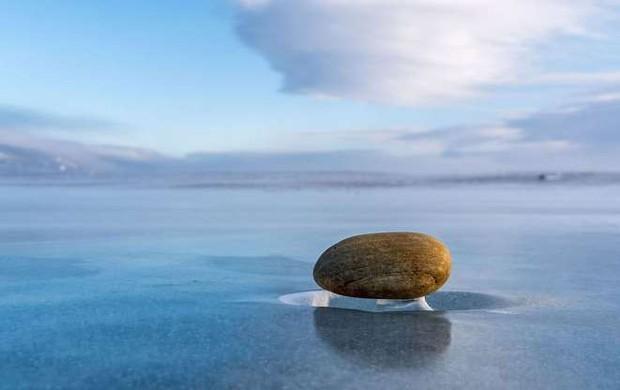 Những hình ảnh đáng kinh ngạc về tạo hình băng trên hồ Baikal - Ảnh 7.