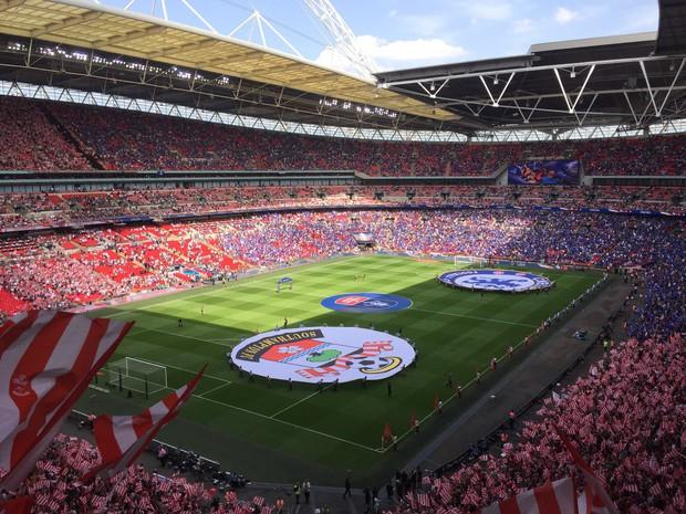 """Ngó ngay SVĐ Wembley và mọi góc mà các thành viên BTS ghé qua vừa """"càn quét"""" thủ đô London của Anh như thế nào? - Ảnh 4."""